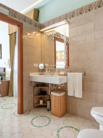 bany suite.jpg