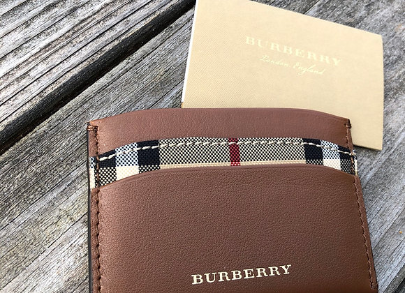$165 Brand new Burberry leather card wallet