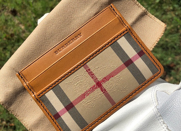 $200 Brand new Leather Burberry card wallet
