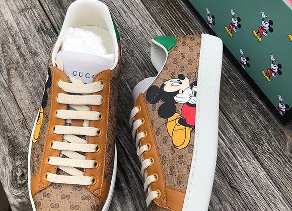 $600 Under retail Brand new men's/boys size 6.5 Disney ❌ Gucci