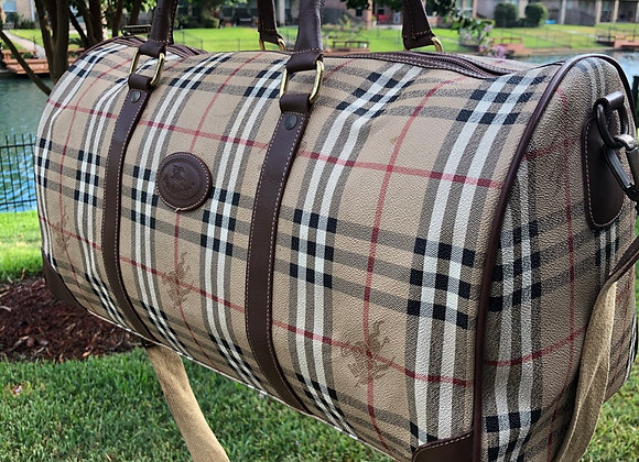 $550 Clean Burberry Large DUFFLE 50