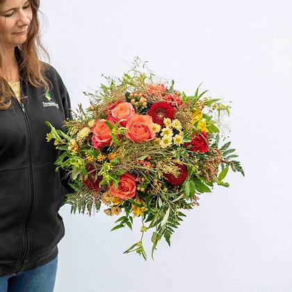Blumenstrauss rund gebunden orangeton Gr. XL