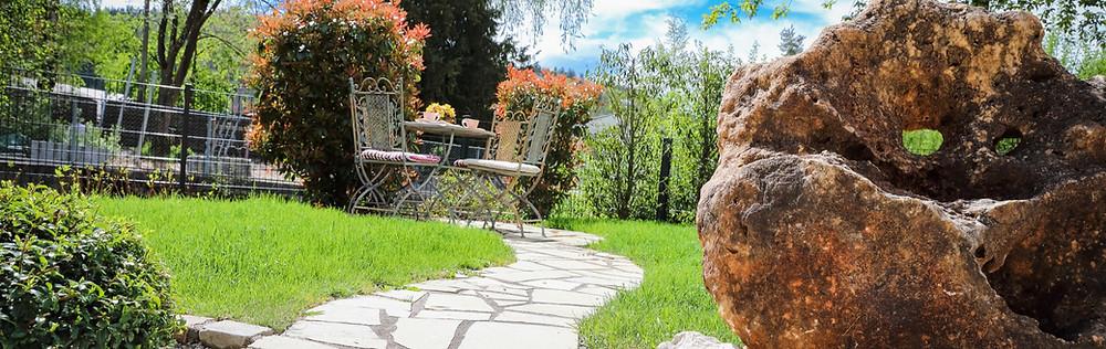 Rasen Vertikutieren, Rasen Düngen, schöner Rasen, Frühling