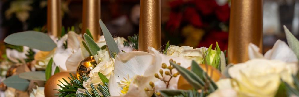 adventliches Blumengesteck