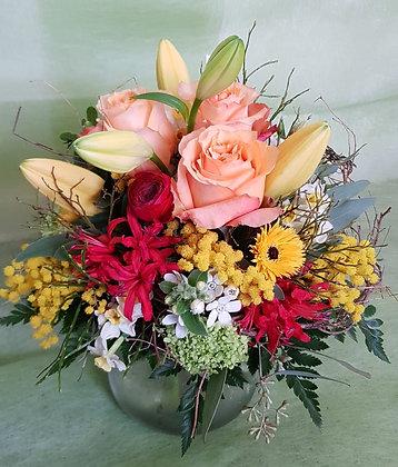 Blumenstrauss rund gebunden, bunt