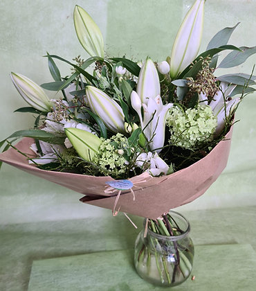 Lilienstrauss weiss grün mit Manschette