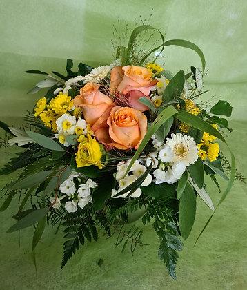 Blumenstrauss rund gebunden, gelb weiss
