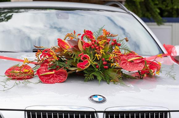 Hochzeitsautodeko Gesteck rot