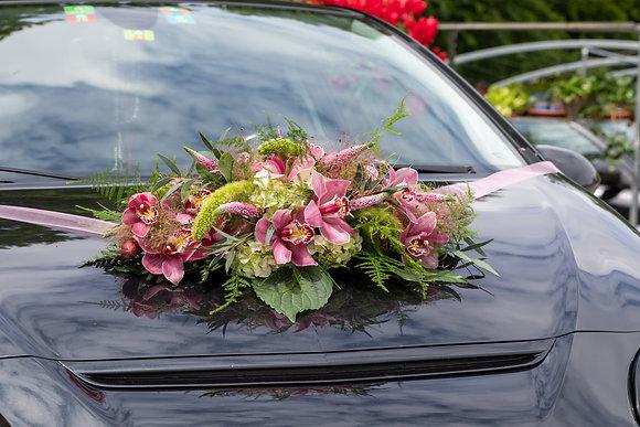Hochzeitsautodeko Gesteck rosa