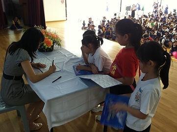 Gwen Lee book signing