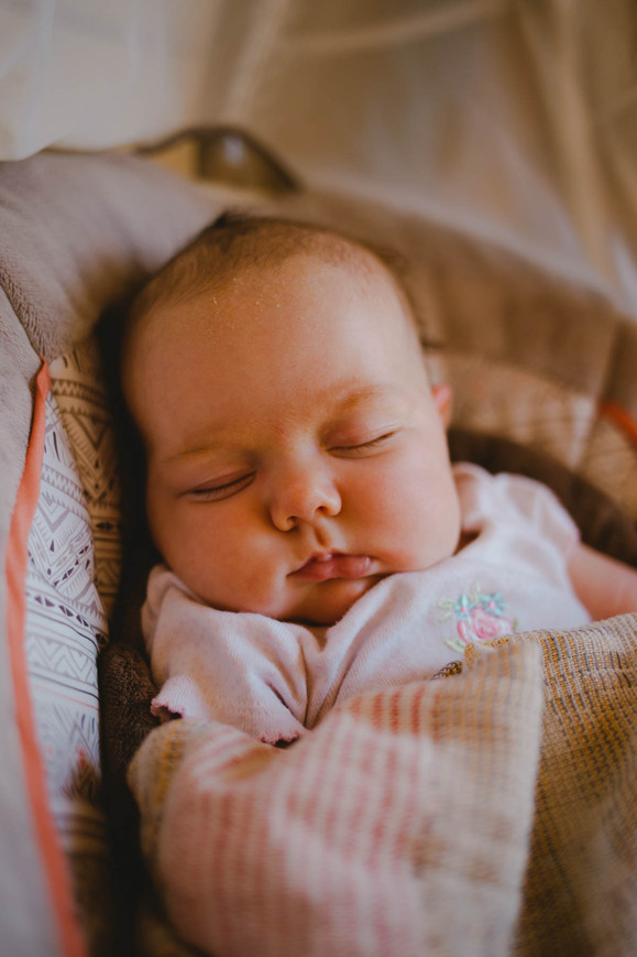wisconsin newborn lifestyle photographer