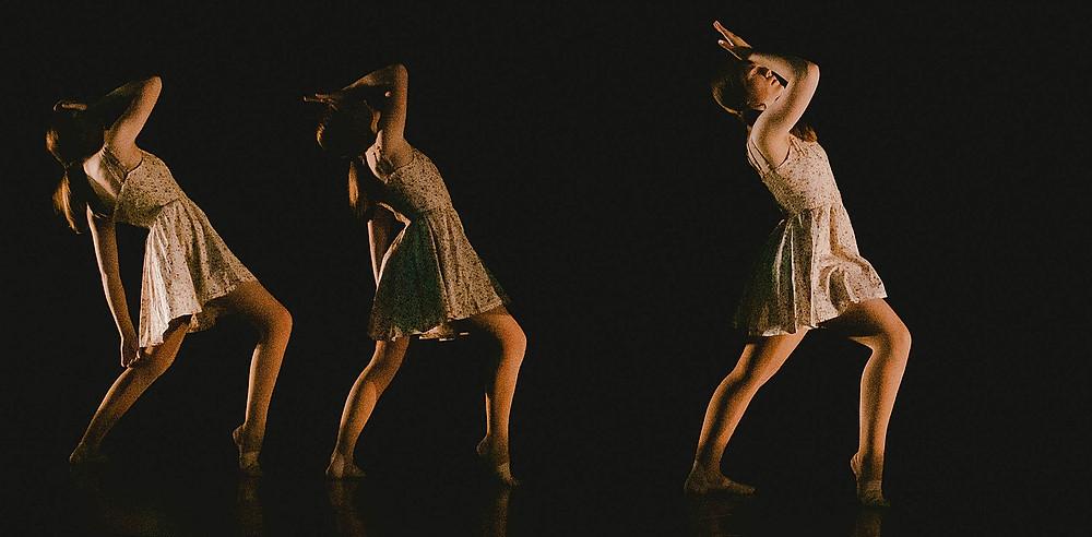 girl dancers in a modern dance