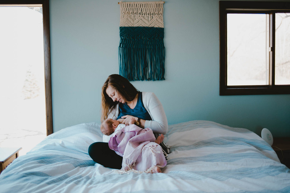 wisconsin newborn lifestyle photographer