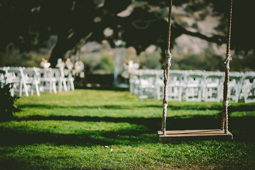 Said yes and don't know what to do next?Here're 3 beautiful vintage wedding Ideas for summer