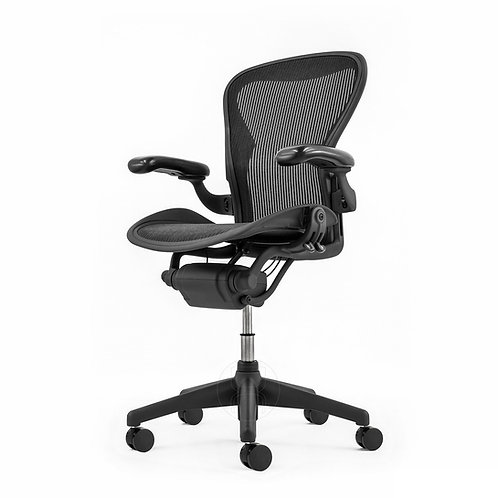 Herman Miller Aeron Graphite Small/A Refurbished - Fully loaded