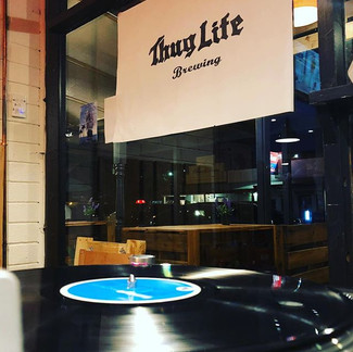 Vinyl & Thug Life it's a winning combination 👌🏼 #vinyldj #Thuglife #craftbeer #beerlover #beerstagram #beer