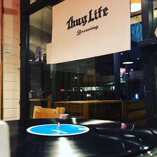 Vinyl & Thug Life it's a winning combination 👌🏼 #vinyldj #Thuglife #craftbeer #beerlover #beerstagram #beer