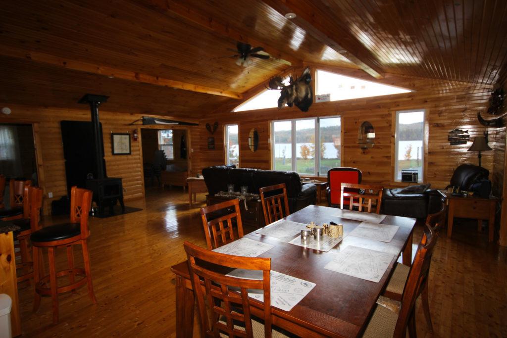 White Cliff Lodge Newfoundland (Eating Area 2)