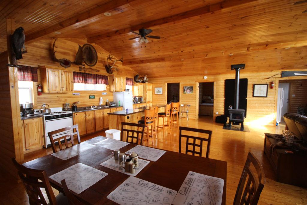 White Cliff Lodge Newfoundland (Eating Area)