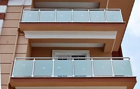 lamine-camli-balkon-kupeste.jpg