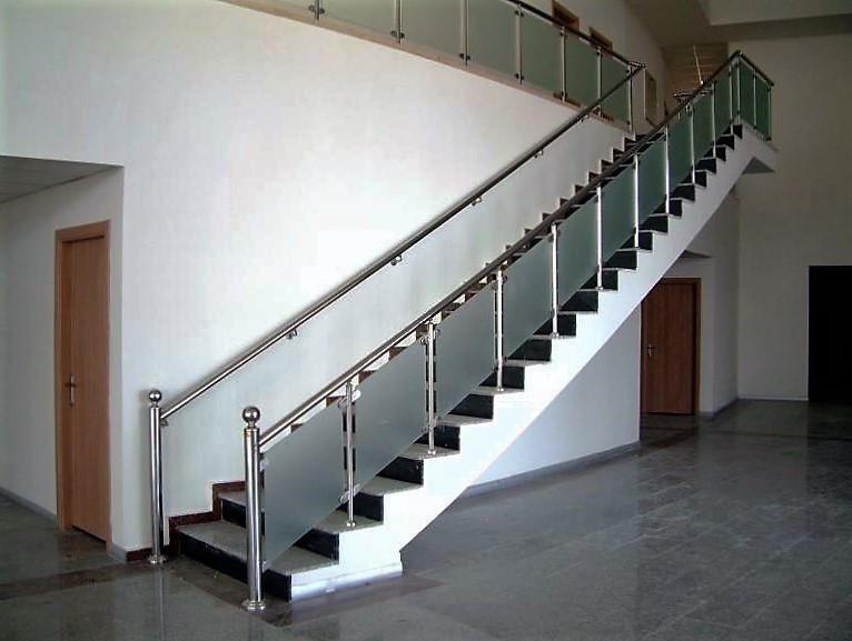 camlı-merdiven-korkuluk-1.jpg
