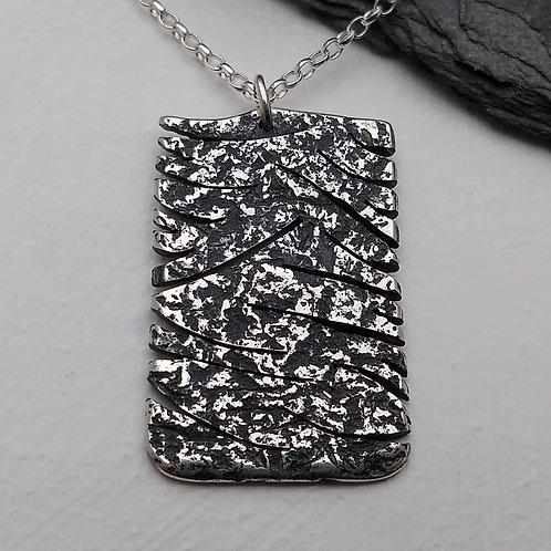 'Furiosa' pendant
