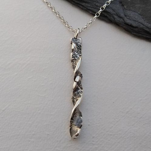 'Gothic Twist' pendant (iii)