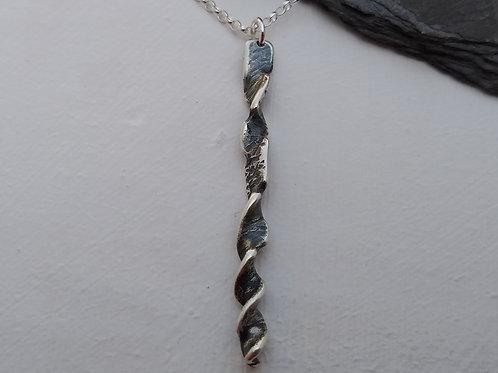 'Gothic Twist' pendant (ii)