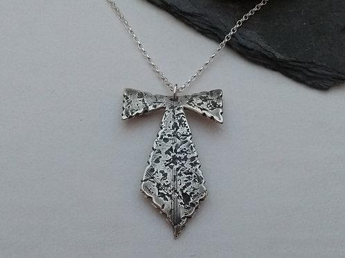 'Victorian Lace' pendant