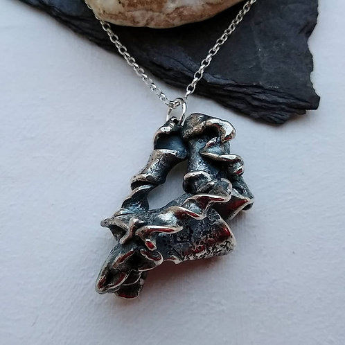 'Gothic Shell' pendant