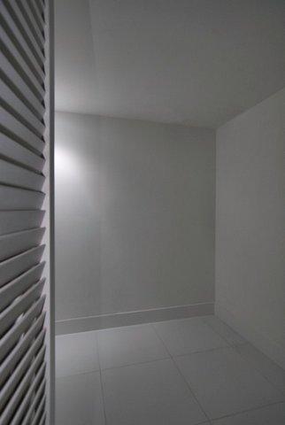23-Walk-in-Closet