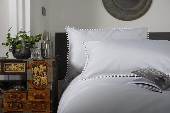 The Lyndon Company 'Pom Pom' Grey Duvet Set
