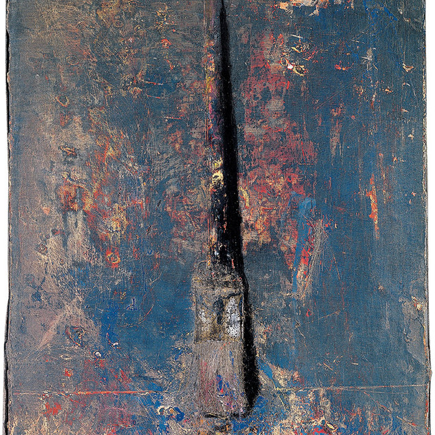 Thin paintbrush