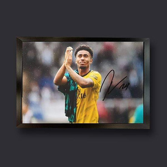 Reiss Nelson, 12 x 8 Arsenal Signed Picture