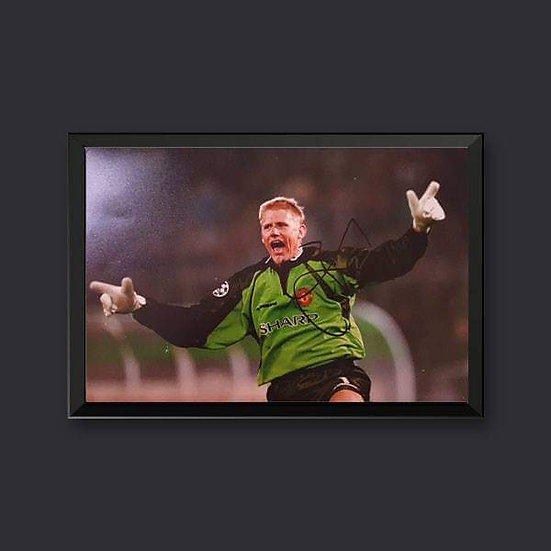 Peter Schmeichel, 12 x 8 Manchester Utd Signed Picture