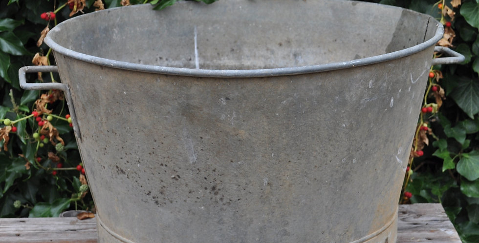 F2  FRENCH GALVANIZED CONTAINER