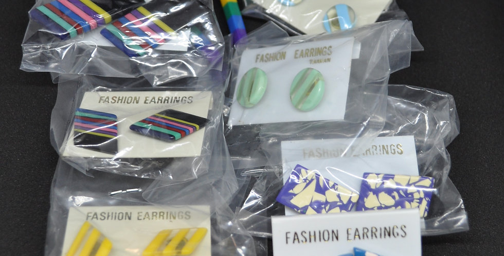1960s PLASTIC EARRINGS Trade lot No3