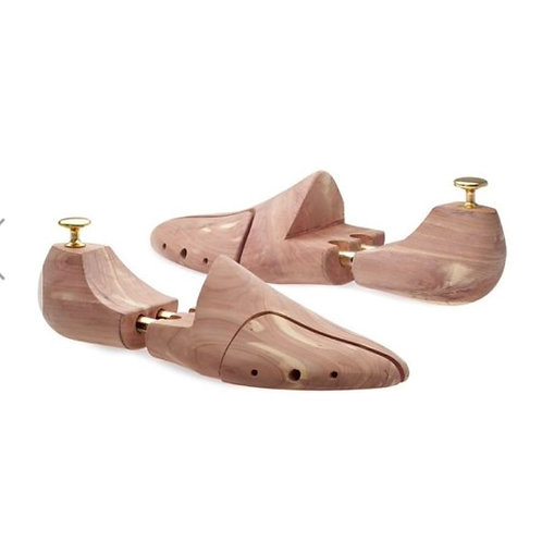 Paio di tendiscarpe in legno