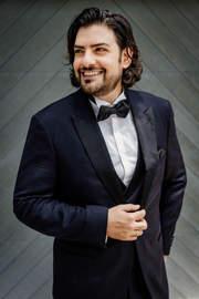 Ilker_Arcayürek_Santa_Fe_Opera_Profil_3.jpg
