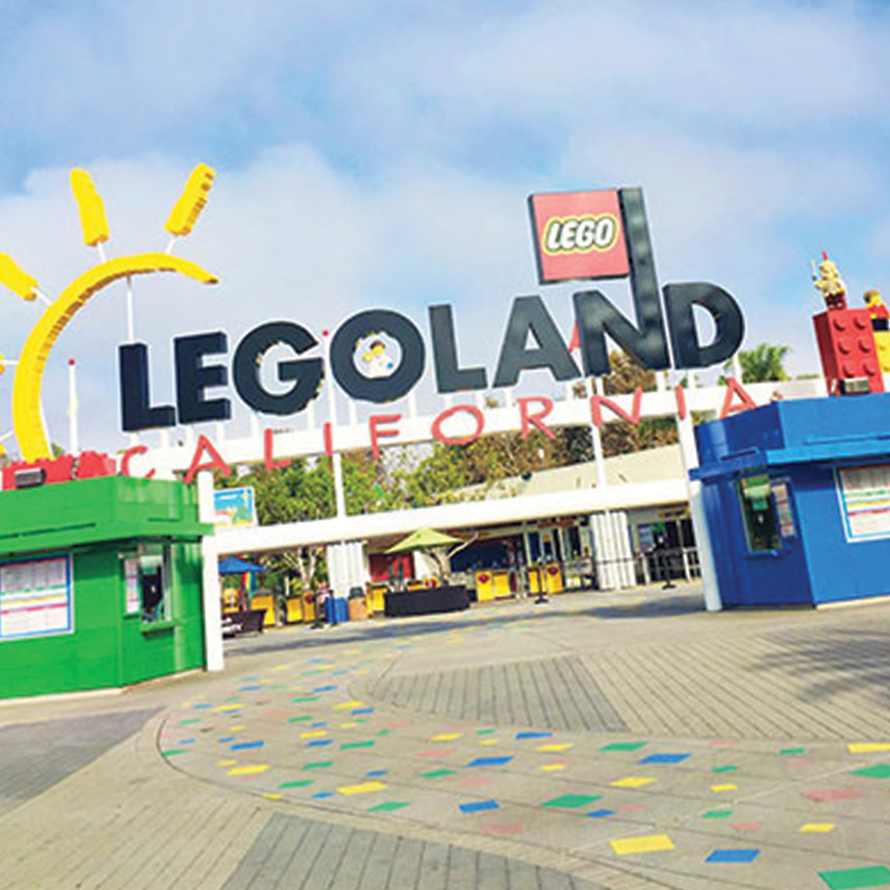 a sign that says Legoland California