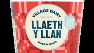 Llaeth y Llan Yoghurts Strawberry (each)