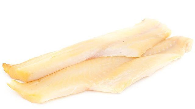 2 Un-dyed Smoked Haddock Fillets (250g)