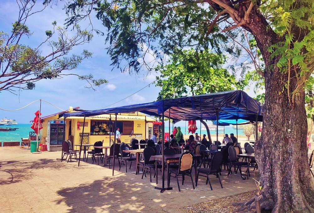 Meeting point café jardins de Forodhani