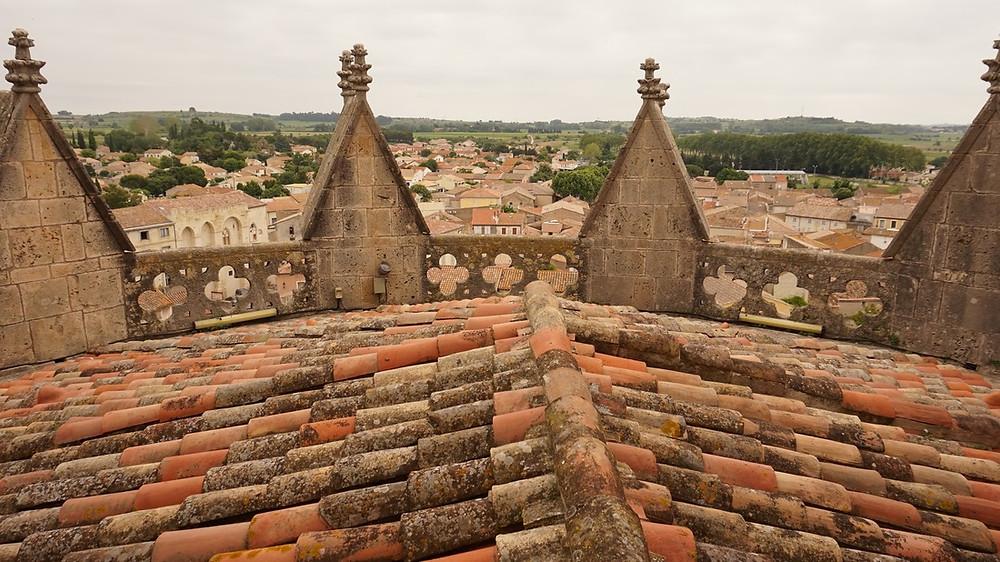 Capestang : Sur les toits de la collégiale