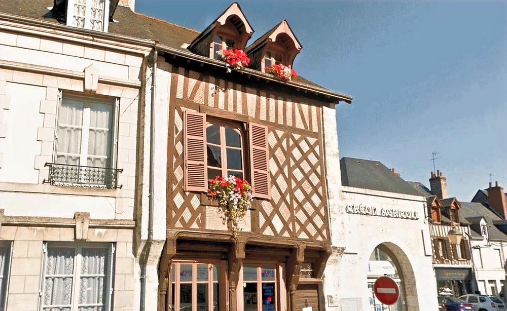 façade de la maison en pan de bois Beaugency