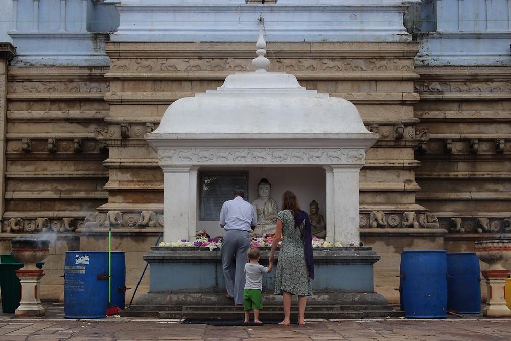 Anuradhapura avec un enfant de  ans