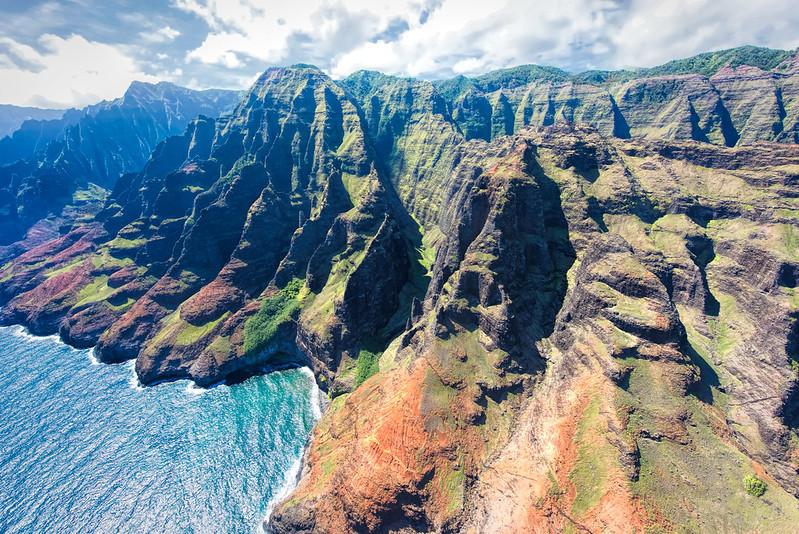 côte de Nā Pali sur l'archipel d'Hawaï