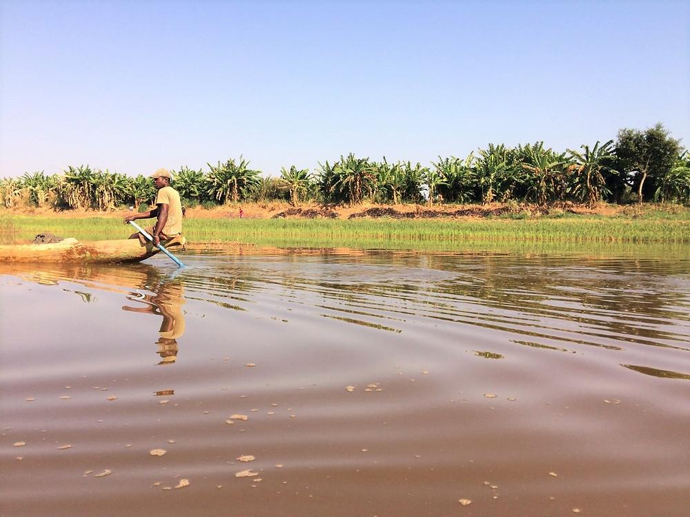 Tsiribihina fleuve pirogue madagascar