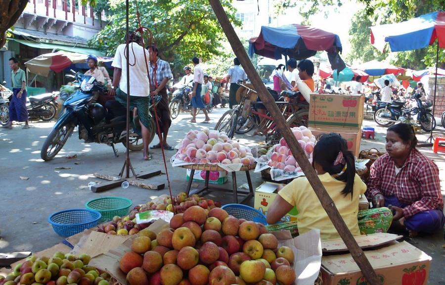 Mandalay vendeuses de rue