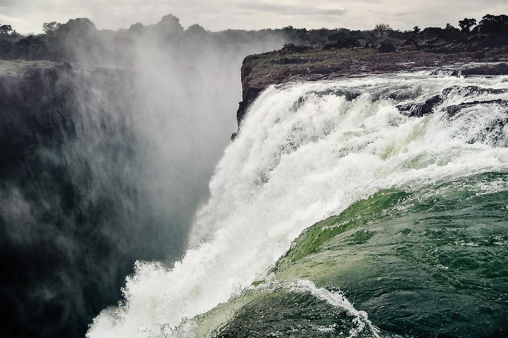Vic falls zimbabwe brume